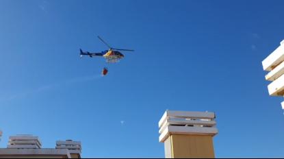 Veja o vídeo do helicóptero a combater o incêndio na Ajuda