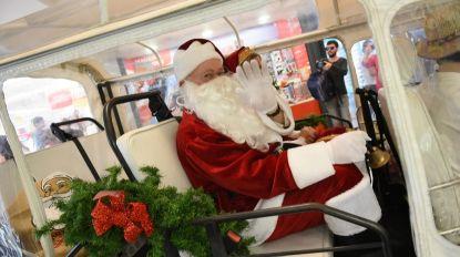 Veja as imagens da chegada do Pai Natal ao MadeiraShopping