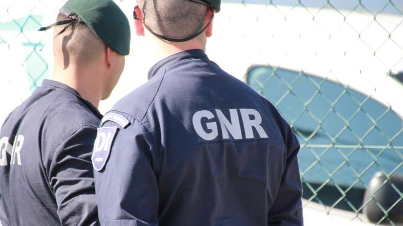 GNR detém 46 pessoas e regista 790 infrações rodoviárias desde sexta-feira à noite