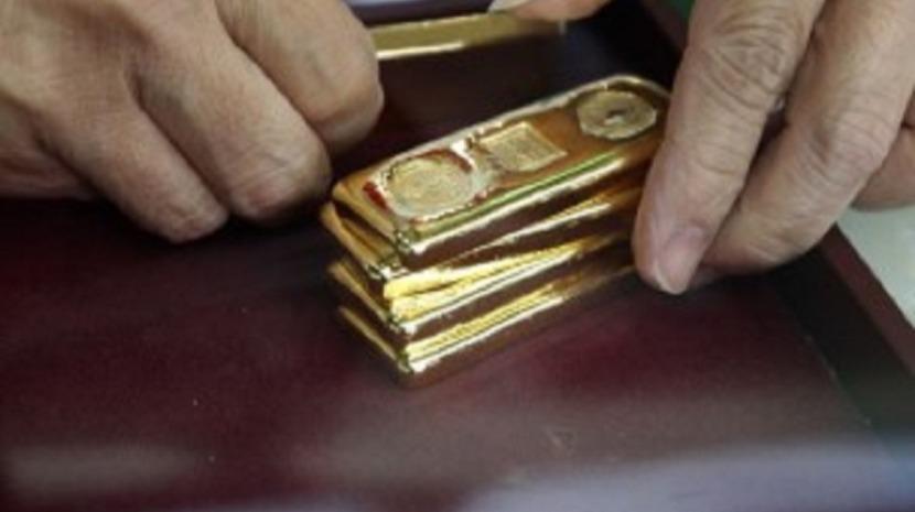 Ouro cai para mínimo desde 12 de agosto