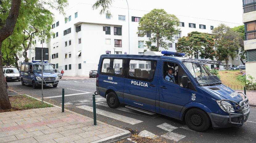 Carros, motos, dinheiro e droga apreendidos pela Polícia