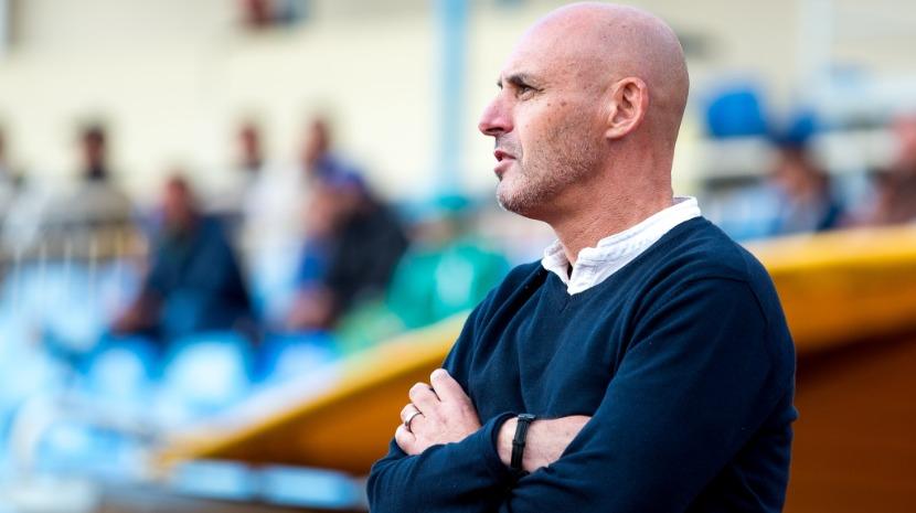 Ex-capitão do Marítimo faz história na Lituânia no papel de treinador