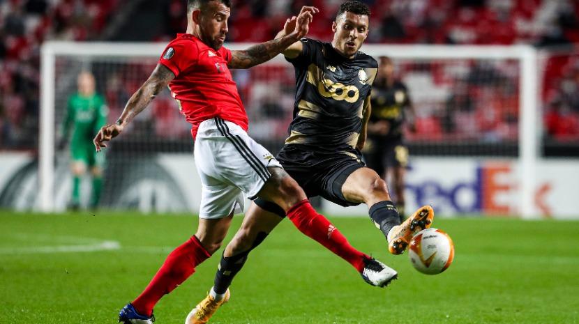 Liga Europa: Benfica bate Standard Liege e está mais próximo dos 16 avos