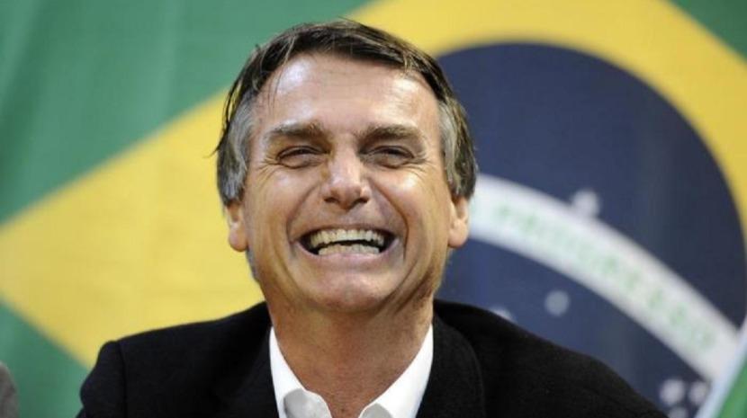 Deputados e ativistas pedem investigação a Bolsonaro por declaração homofóbica