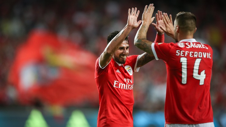 Benfica goleia na receção ao Belenenses e iguala Sporting e Rio Ave na liderança