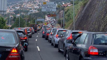 Trânsito congestionado na via rápida a partir da Cancela