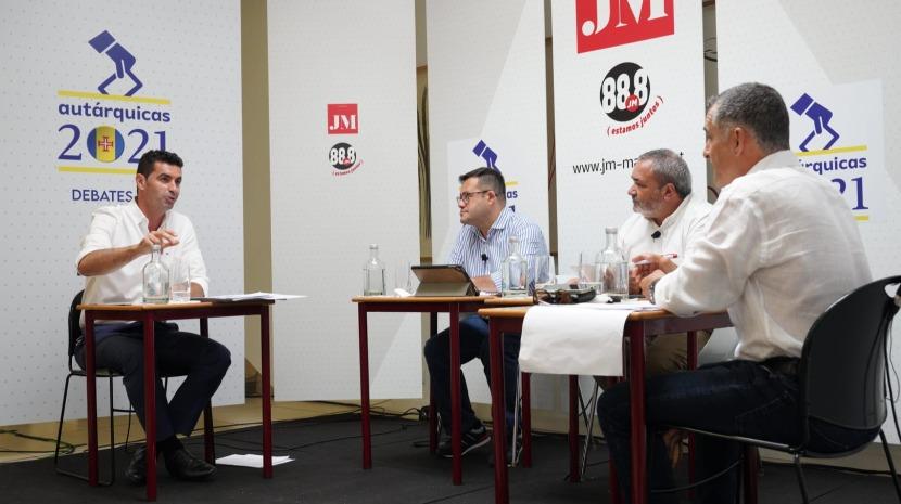 Debate JM: Norberto diz que o presidente não sai do Gabinete; Franco acusa ao adversário de demagogia