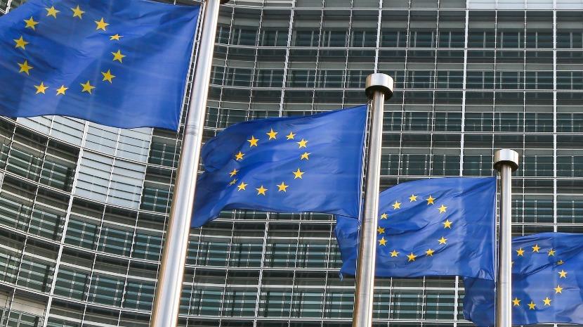 UE não deve esperar grandes mudanças no pós-Merkel