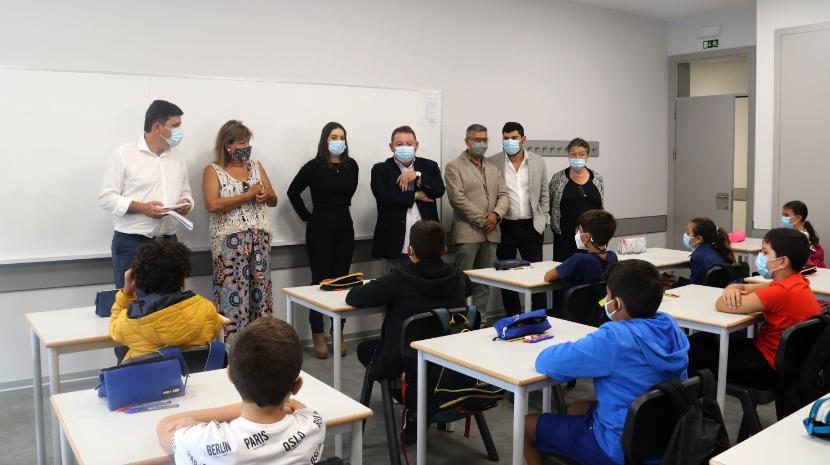Autarquia Ribeira Brava atribuiu vouchers de material escolar