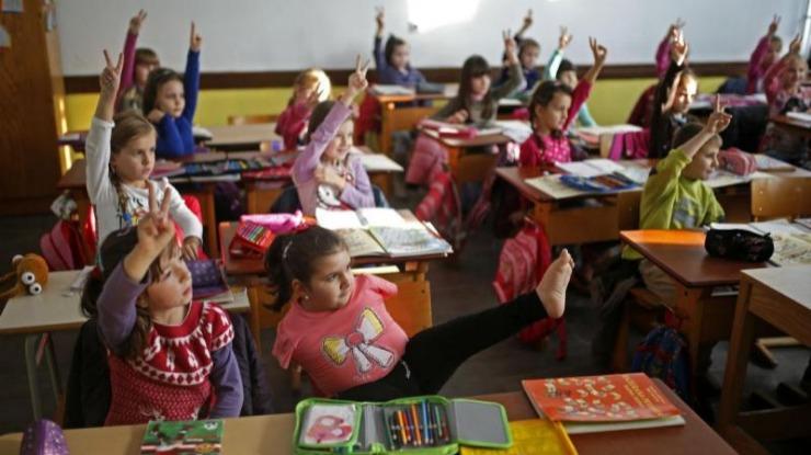 Famílias gastam quase 400 euros em material escolar