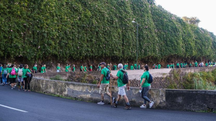 Peregrinos a caminho de Machico (com fotos)