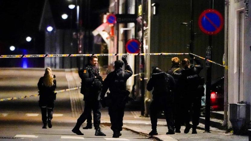 Homem armado com arco e flechas mata e fere várias pessoas na Noruega