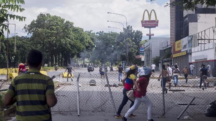Venezuela: PE defende sanções seletivas contra responsáveis pelas violações dos direitos humanos