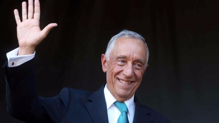 Marcelo felicita atual e anterior governos por subida do 'rating'