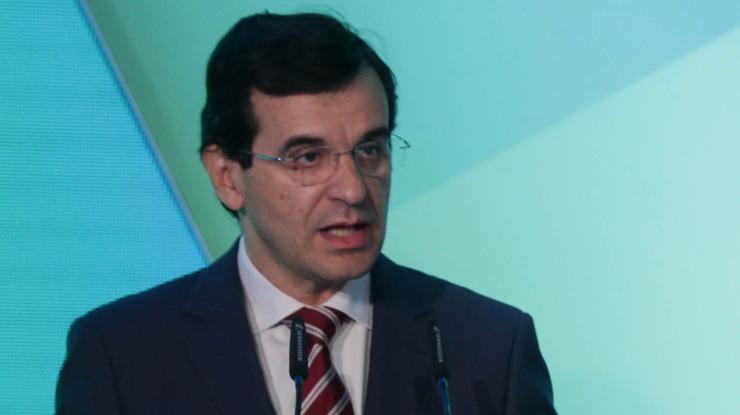 """Ministro da Saúde considera aumento de 400 euros para enfermeiros """"absolutamente incomportável"""""""
