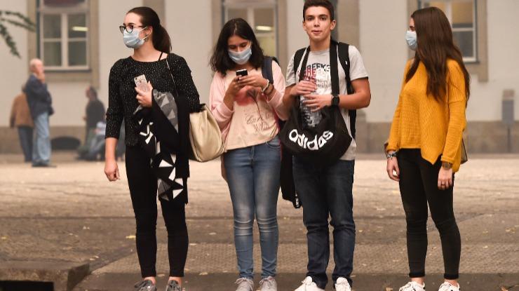 Incêndio: Ação de crianças portuguesas contra países poluidores consegue financiamento