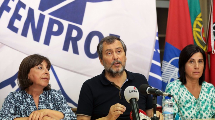 """Fenprof diz estar em condições de provar que foram """"apagadas vagas"""" em concurso"""