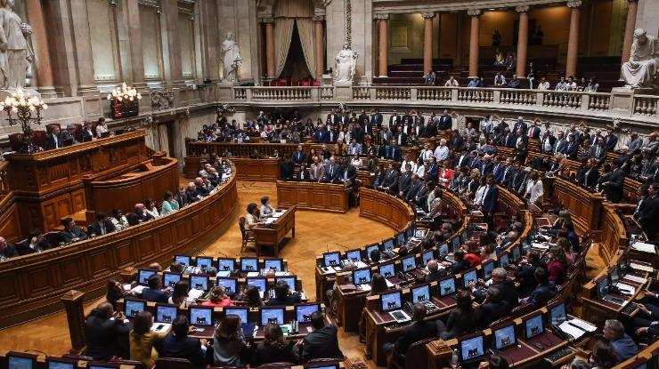 PSD estranha dualidade de critérios entre Madeira e Açores