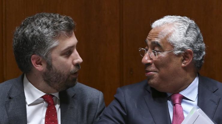 """Governo acusa líder do CDS-PP de não saber o que significa """"ouvir as pessoas"""""""