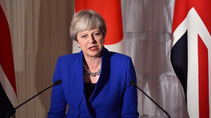 May fecha acordo com ministros para fazer novas cedências à UE — Brexit