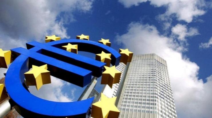 Zona euro: Euro sobe face ao dólar