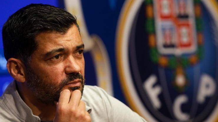 """Treinador do FC Porto diz que """"não há favoritos"""" no clássico com Benfica"""