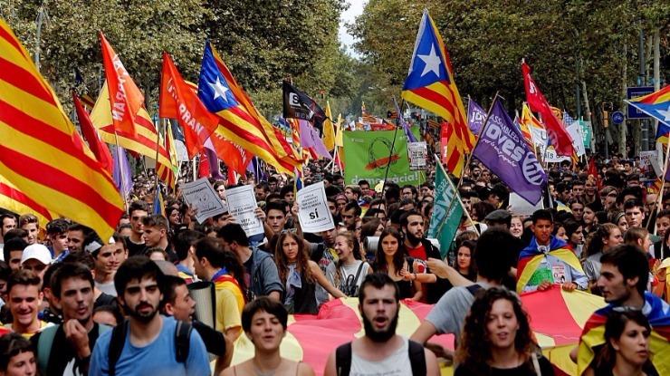 Milhares de independentistas manifestam-se em Bruxelas — Catalunha