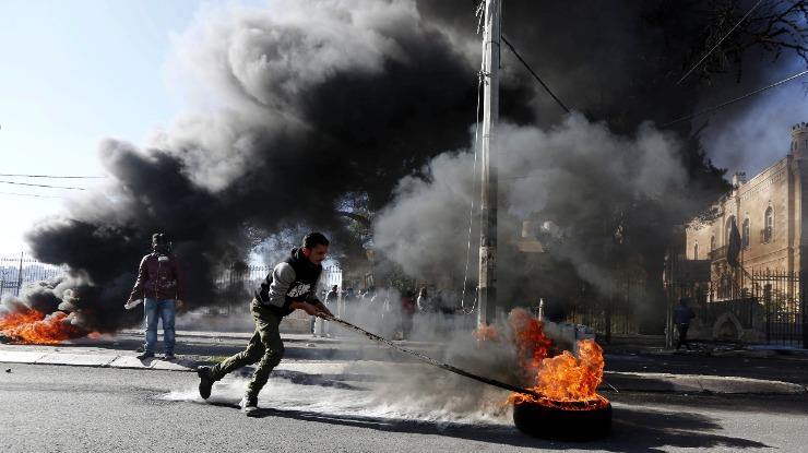 Jerusalém: Dois palestinianos mortos durante manifestações