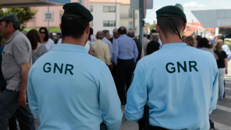 GNR detém 40 pessoas esta noite, 25 sob efeito do álcool