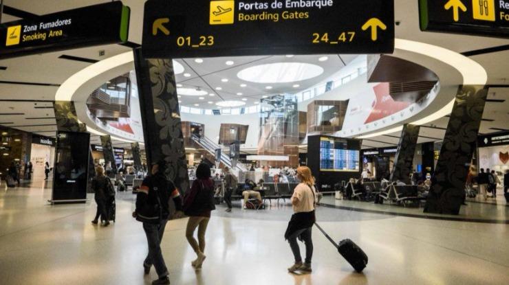 Voos cancelados, divergidos e com atrasos no aeroporto de Lisboa devido ao nevoeiro