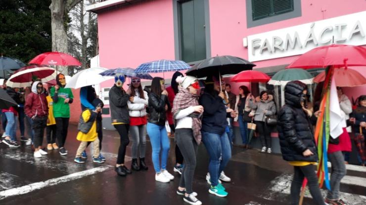 Carnaval na Camacha resistiu à chuva (com vídeo)