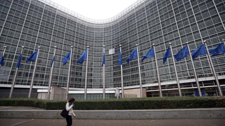 Brexit: UE reúne-se a 27 com futura composição do Parlamento Europeu em agenda