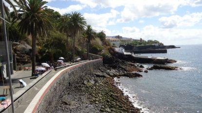 Objeto encontrado a flutuar na mar alerta funcionários do Clube Naval do Funchal