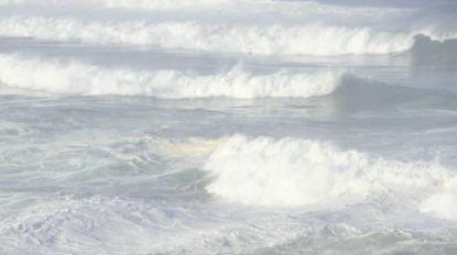 Mar muito agitado no Porto da Cruz (com vídeos)