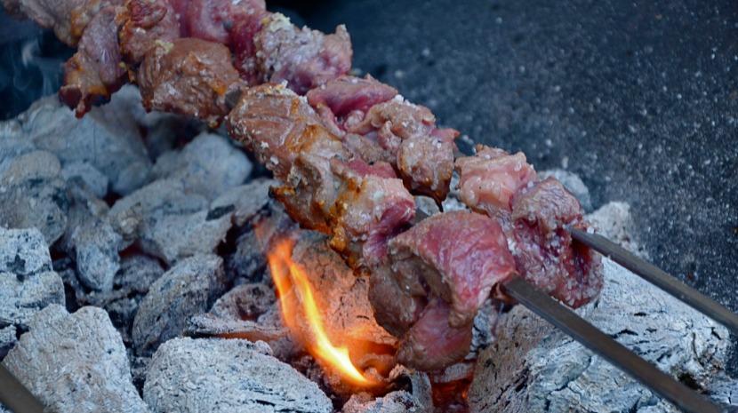 Academia Madeirense das Carnes de visita a Lisboa em abril