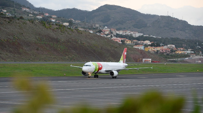 "TAP cancela voo ""sem aviso prévio"""