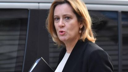 Ministra do Interior do Reino Unido demitiu-se devido a polémica sobre deportação de ilegais