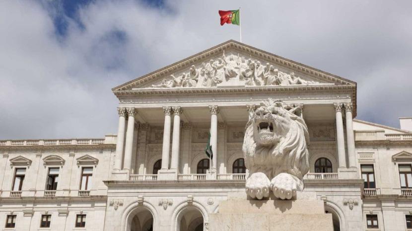 Eventuais alterações a apoios a viagens de deputados das ilhas decididas na 4.ª feira na AR