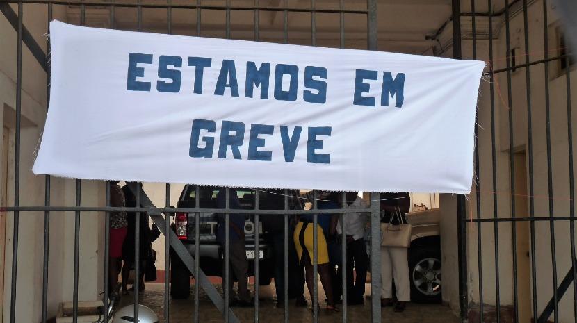 Cerca de 200 funcionários judiciais concentram-se em Lisboa no segundo dia de greve