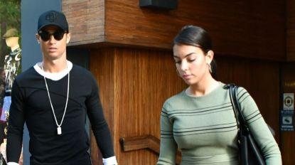 Ronaldo e Georgina 'engolidos' por fãs enquanto fazem compras em Milão (com vídeo)