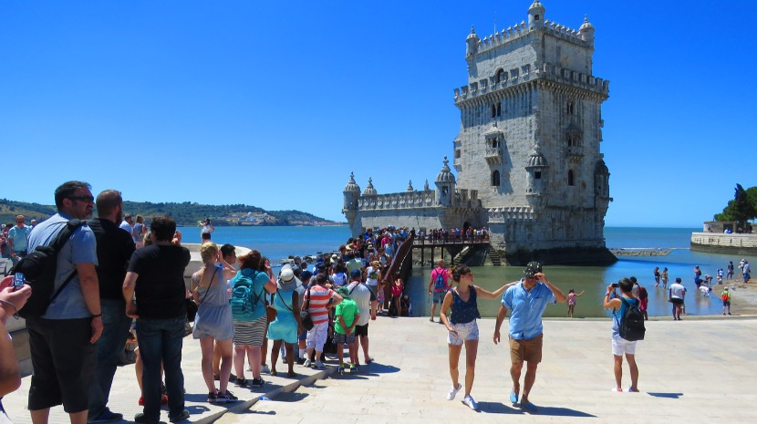 Proveitos do turismo crescem 7,5% para 376,7 ME em junho