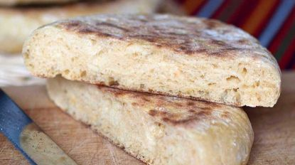 Mostra dá a provar 30 qualidades de bolo do caco e pão caseiro