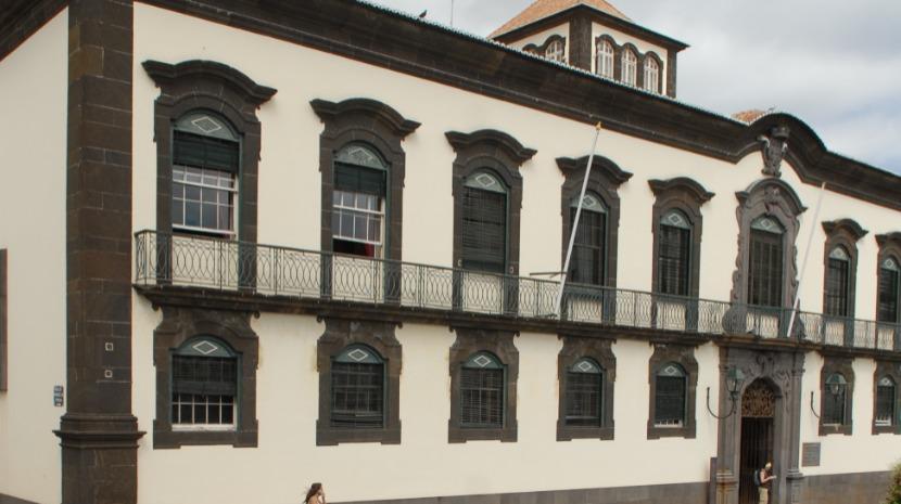 Câmara do Funchal contrata 200 funcionários até 2020