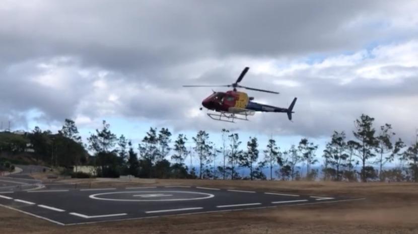 Helicóptero regressa para o incêndio da Trompica