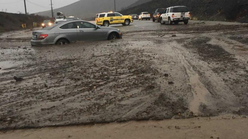 Chuvas intensas provocam cheias e deslizamentos de terras em Malibu (com vídeo)