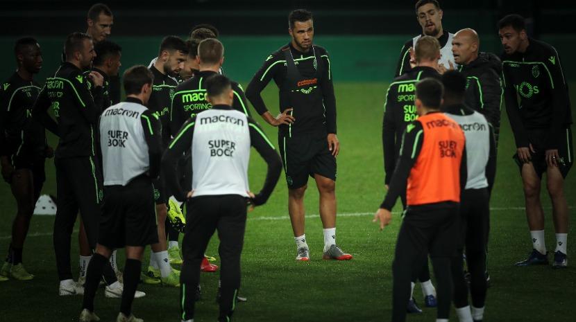 Geraldes e Luiz Phellype às ordens de Keizer no treino solidário do Sporting