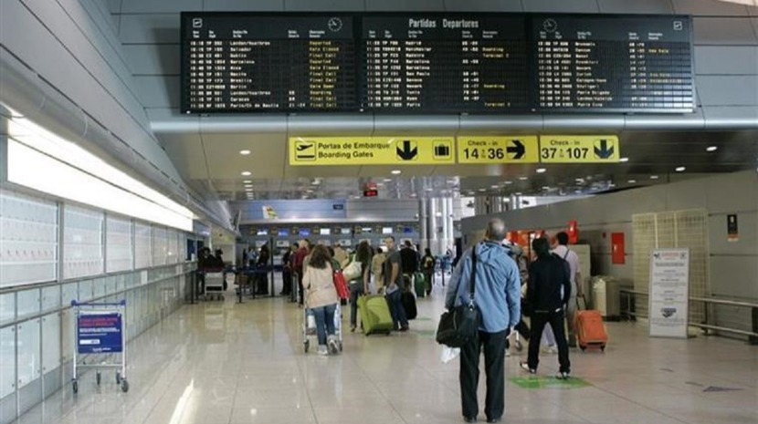 Excesso de tráfego e nevoeiro atrasam voos para a Madeira