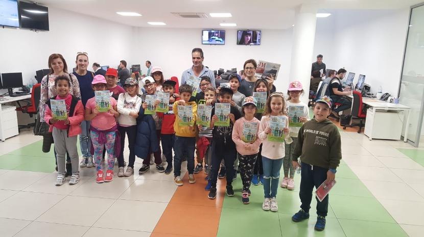 Alunos da EB1/PE com creche do Caniçal visitam instalações do JM