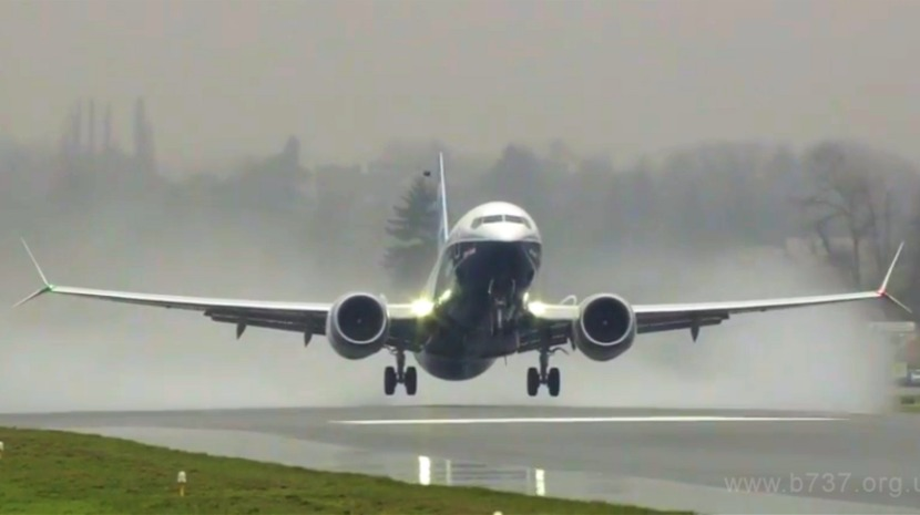 """Trump ordena suspensão """"imediata"""" de voos dos aviões Boeing 737 MAX 8 e 9"""
