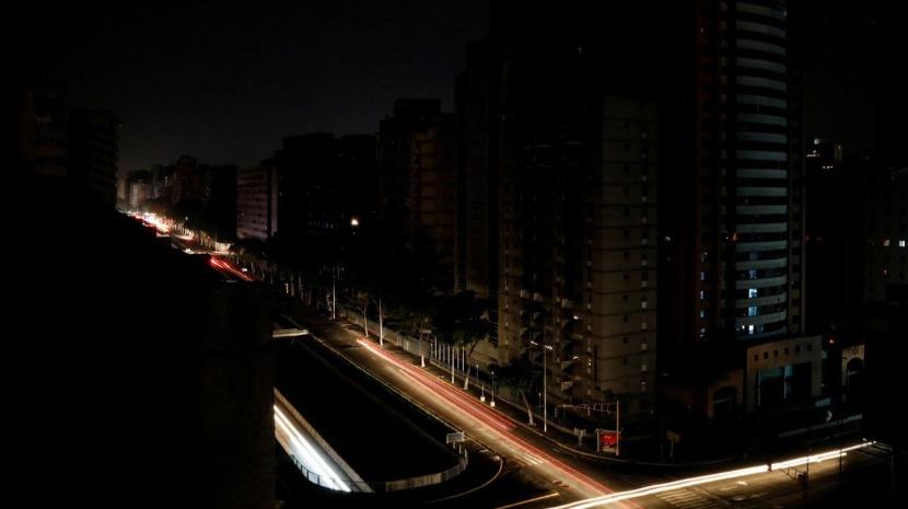 Sistema elétrico na Venezuela reparado mas com falhas em pelo menos cinco estados